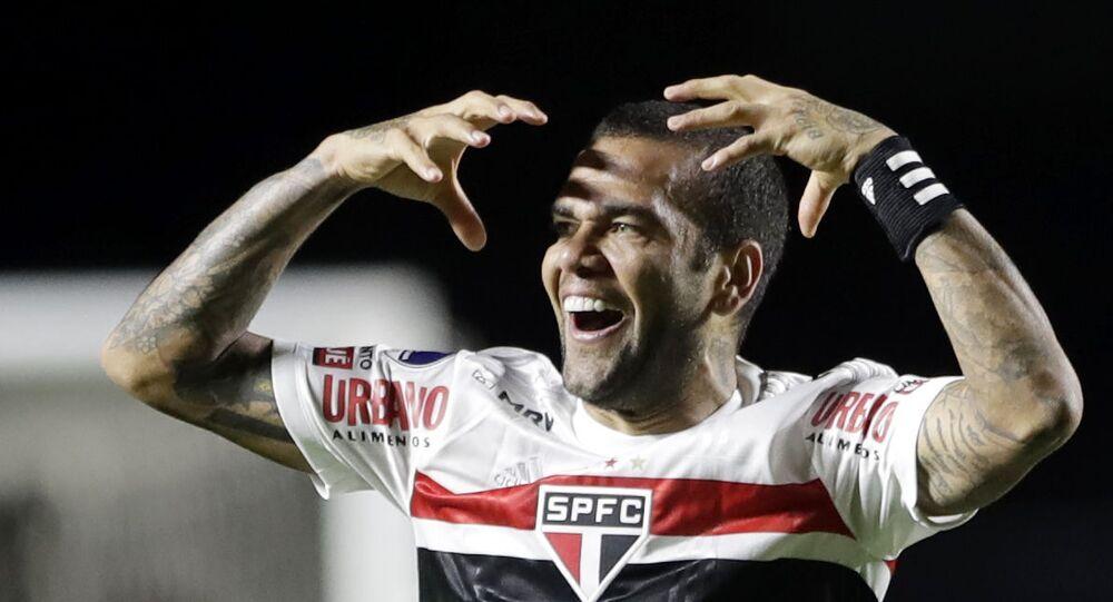 Soccer Football - Copa Sudamericana - Sao Paulo v Lanus - Estadio Morumbi, Sao Paulo, Brazil - November 4, 2020 Sao Paulo's Dani Alves celebrates scoring their first goal