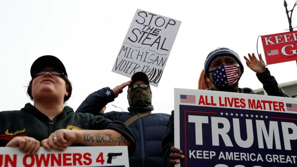 Supporters of U.S. president Donald Trump rally as votes continue to be counted following the 2020 U.S. presidential election, in Detroit, Michigan, U.S., November 5, 2020.   - Sputnik International