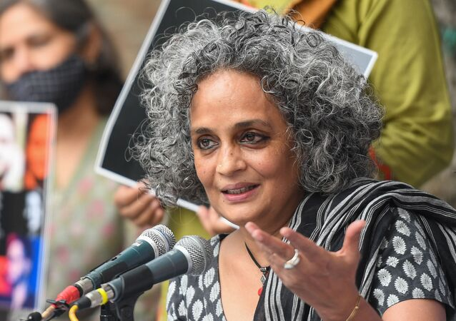 Indian author and activist Arundhati Roy speaks during a press conference on the Supreme Court's recent opinion on public protests, in which it said public places can't be occupied indefinitely, in New Delhi on October 22, 2020