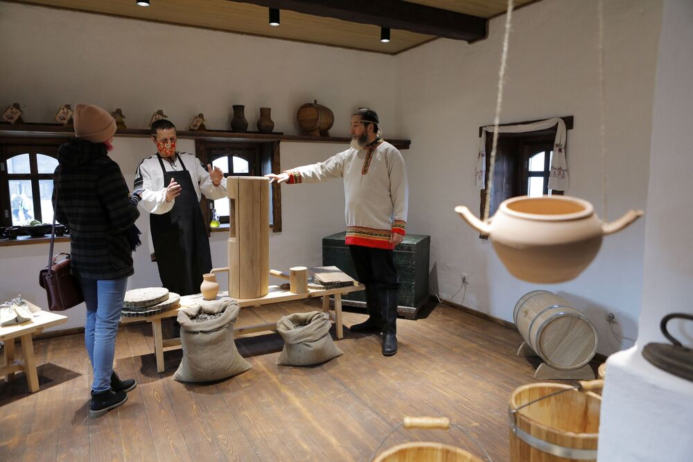 A master class at the Slobozhanschina historical and cultural complex in the Belgorod Region.