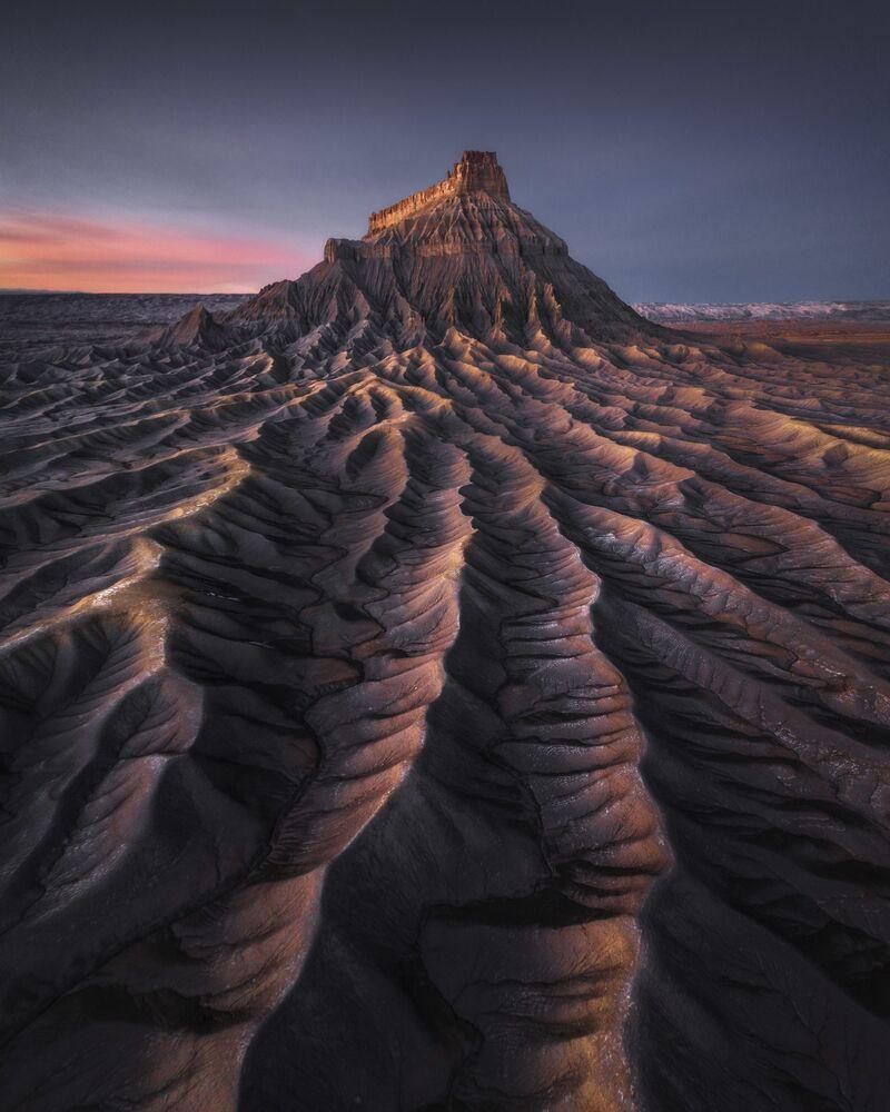 The photo Mars by Hong Kong photographer Kelvin Yuen, the winner of The International Landscape Photographer of the Year 2020