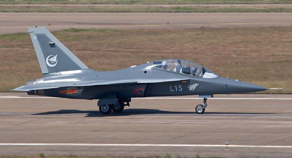 Hongdu L-15 Falcon