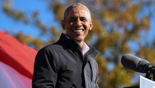 Former President Barack Obama addresses voters one day before the election, in Atlanta, Georgia, U.S., November 2, 2020.  - Sputnik International