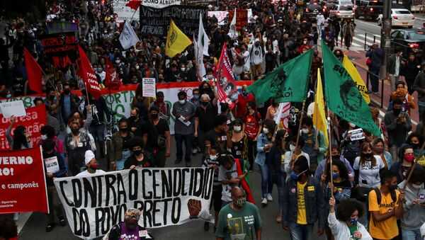 Demonstrators march in Sao Paulo during the National Black Consciousness Day and in protest against the death of Joao Alberto Silveira Freitas, a Black man beaten to death at a market in Porto Alegre, Brazil November 20, 2020 - Sputnik International