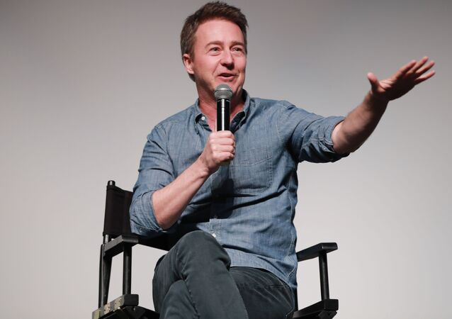 PALM SPRINGS, CALIFORNIA - JANUARY 04: Edward Norton attends the Talking Pictures screening of Motherless Brooklyn during the 31st Annual Palm Springs International Film Festival on January 04, 2020 in Palm Springs, California.