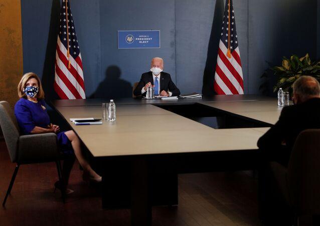 Joe Biden and Kamala Harris meet with Nancy Pelosi and Chuck Schumer in the Queen theater in Wilmington, Delaware, U.S., November 20, 2020.
