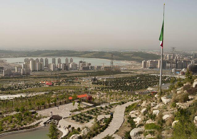 Iran - Tehran - Zone 22 - Chitgar lake