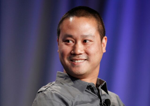 FILE PHOTO: Tony Hsieh, CEO of online retailer Zappos, takes part in a panel discussion entitled Why Wait for Washington? How States Can Create Jobs and Economic Growth at the Milken Institute Global Conference in Beverly Hills, California May 1, 2012. REUTERS/Danny Moloshok/File Photo