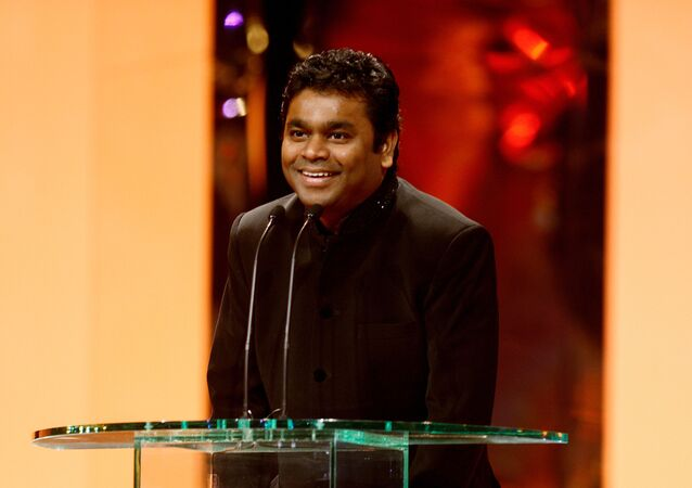 Winner of the Music Award for SLUMDOG MILLIONAIRE – AR Rahman: Rahman was presented the award by Singer, Kylie Minogue.