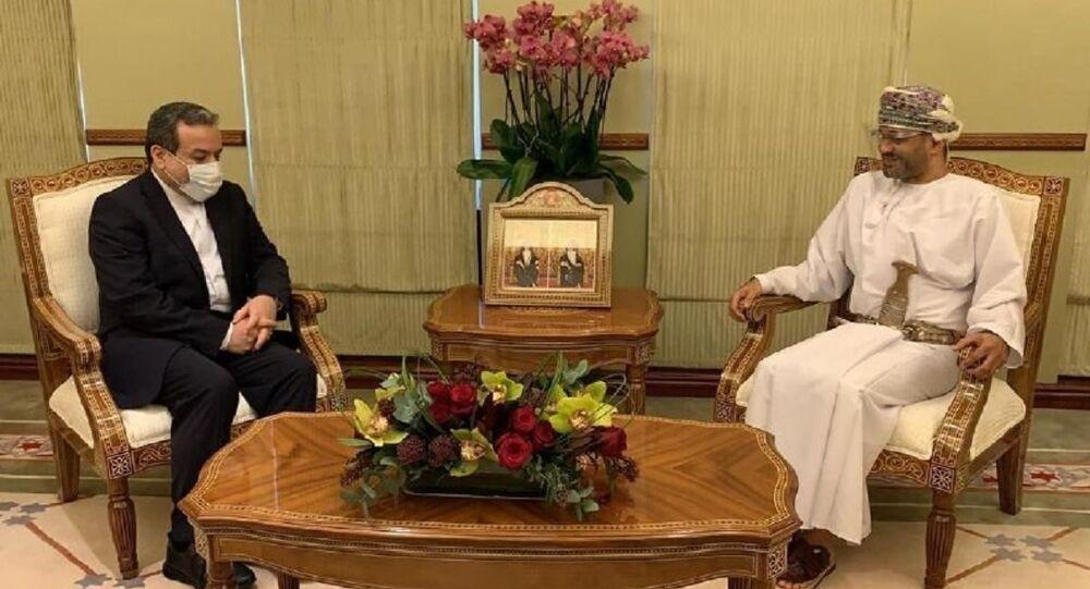 Tehran, Dec 14, IRNA – Iranian Deputy Foreign Minister for Political Affairs Abbas Araghchi in a meeting with Oman Foreign Minister Sayyid Badr bin Hamad bin Hamood Al Busaidi