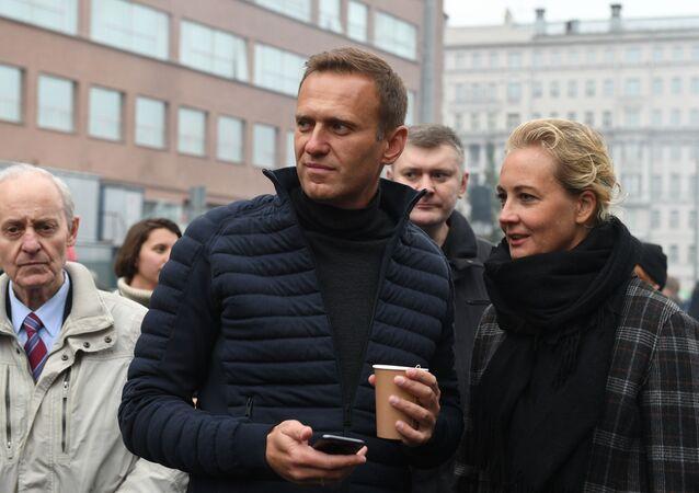 Alexey Navalny with wife Yulia