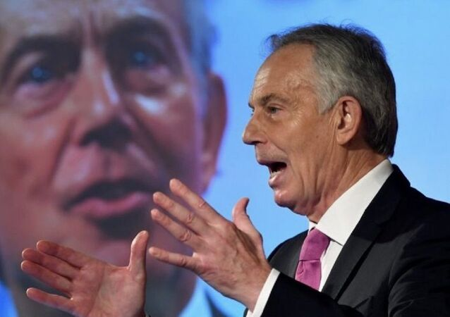 A photo of the UK former Prime Minister Tony Blair posted on Twitter on December 23, 2020