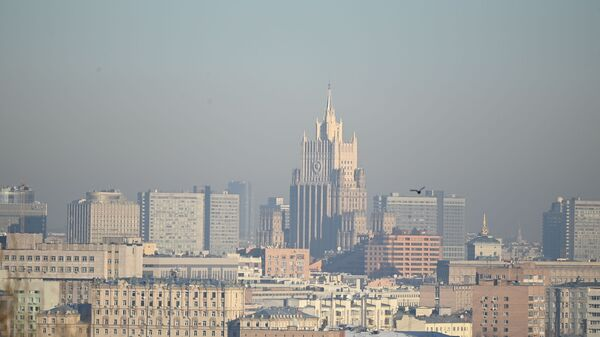 View of the building of the Ministry of Foreign Affairs of Russia from the observation deck on Vorobyovy Hills in Moscow - Sputnik International