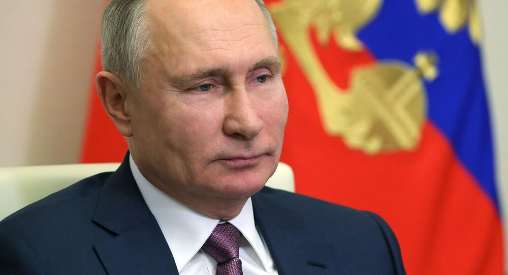 Russian President V. Putin congratulated members of the Russian government on the coming New Year