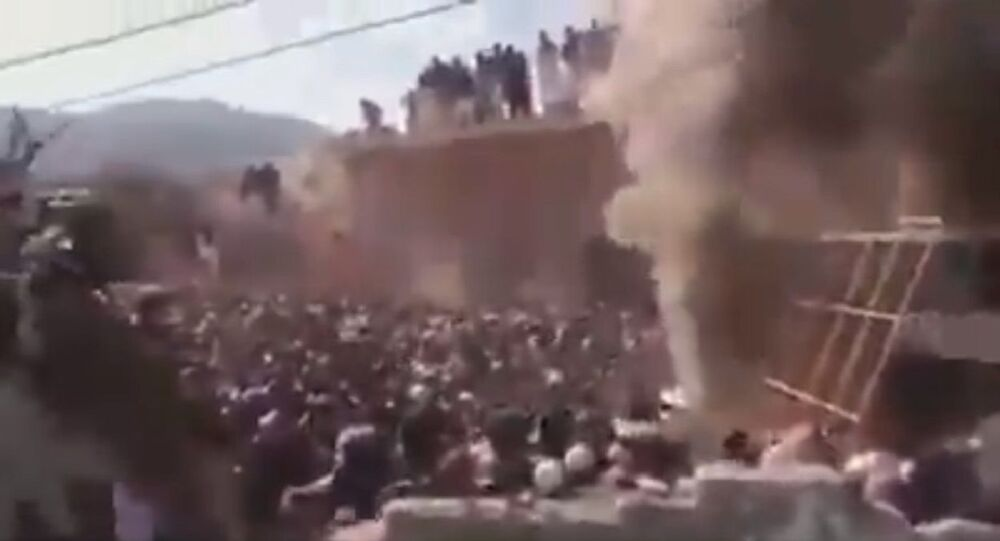 A mob of vandals destroy an ancient Hindu temple in the Karak district of Khyber Pakhtunkhwa in Imran Khan PTI 's Naya Pakistan.