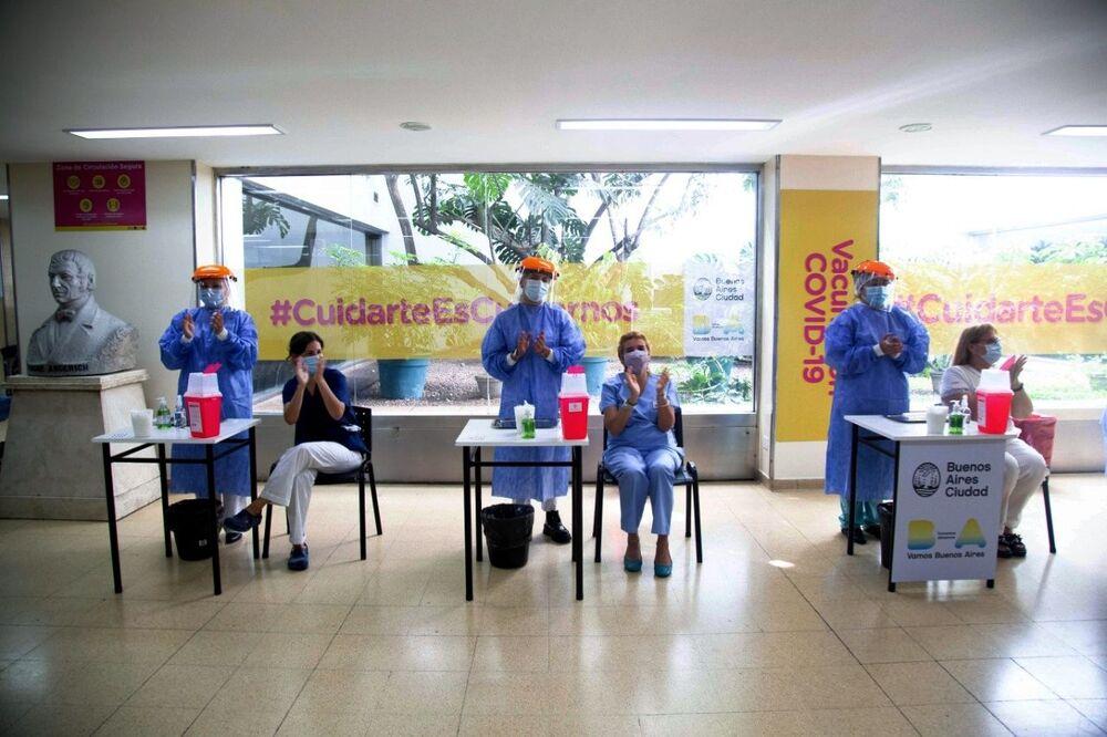War on the Pandemic: Mass Anti-Coronavirus Vaccination Campaigns Around the World