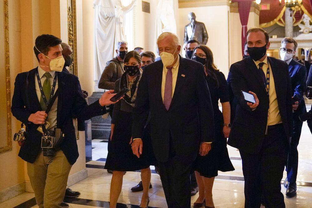 House Majority Leader Steny Hoyer walks on Capitol Hill, 13 January 2021 in Washington, DC.