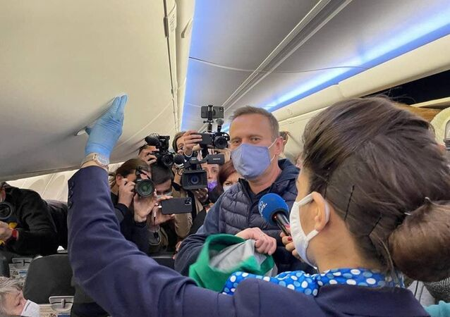 Alexey Navalny talks to journalists before coming back to Moscow from Berlin, 17 January 2020