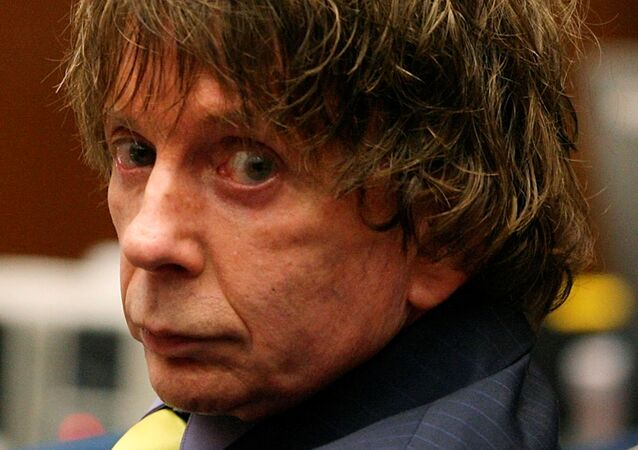 Music producer Phil Spector appears in court during his murder trial at Los Angeles Superior Court in Los Angeles August 16, 2007. Spector is accused of fatally shooting actress Lana Clarkson in his home in February 2003.