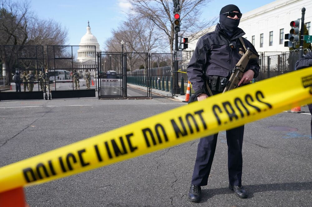 Security has been increased around the Capitol ahead of the inauguration of President-elect Joe Biden and Vice President-elect Kamala Harris, 17 January 2021, in Washington, DC.