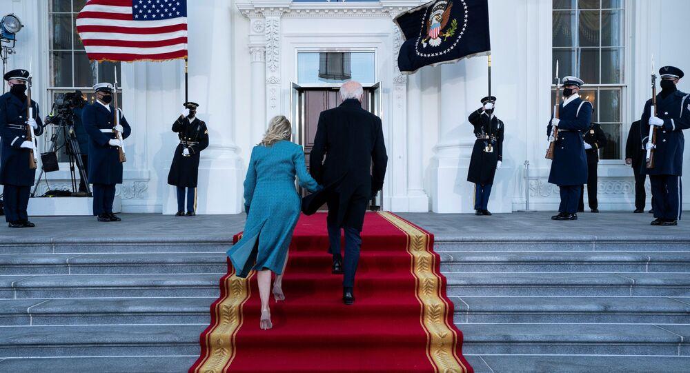 U.S. President Joe Biden and first lady Jill Biden arrive at the North Portico of the White House in Washington, DC, U.S. January 20, 2021. Alex Brandon/Pool via REUTERS
