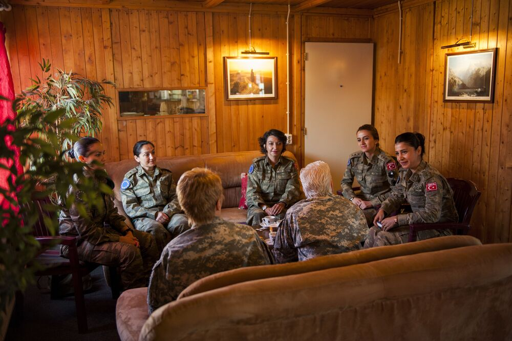 US Army Brig Gen Giselle Wilz, NATO Headquarters Sarajevo commander, speaks with female officers of the Turkish Land Forces during a mentoring session at Camp Butmir, Bosnia and Herzegovina, 7 April 2016.