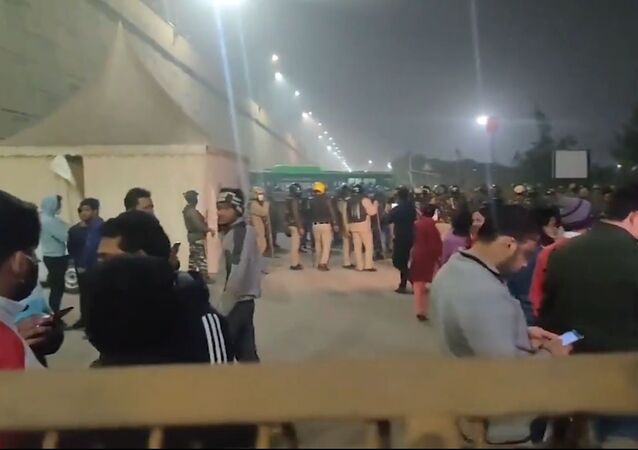 Footage captures the situation on the Ghazipur-Delhi border, an area which Uttar Pradesh state police ordered farmers to vacate