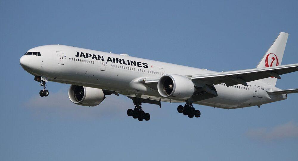 JA743J Boeing 773 JAL Japan Airlines