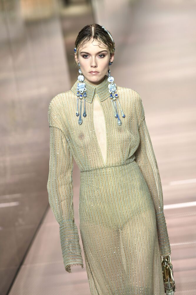 A model presents a creation of British designer Kim Jones for Fendi's Spring-Summer 2021 collection during the Paris Haute Couture Fashion Week, in Paris, on 27 January 2021.
