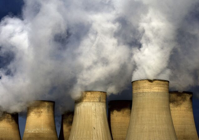 A view of Ratcliffe-on-Soar power station, in Nottingham, England. Britain expects Friday, 21 April 2017 to be the first full day since the Industrial Revolution when it hasn't used coal to generate electricity.  (David Davies/PA via AP)