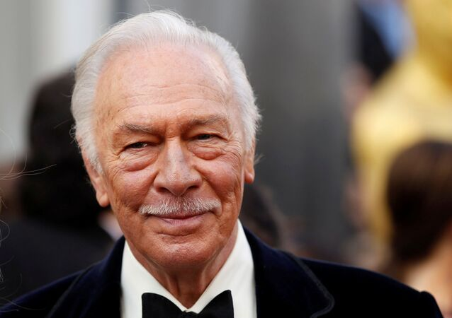 Christopher Plummer, best supporting actor nominee for his role in Beginners, arrives at the 84th Academy Awards in Hollywood, California, February 26, 2012.
