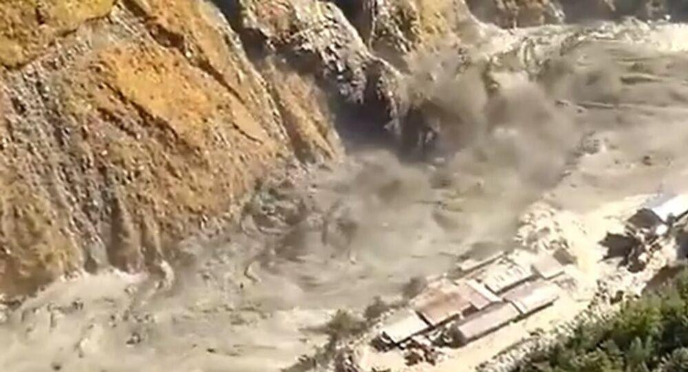 Breaking of a part of Nandadevi Glacier in Uttarakhand