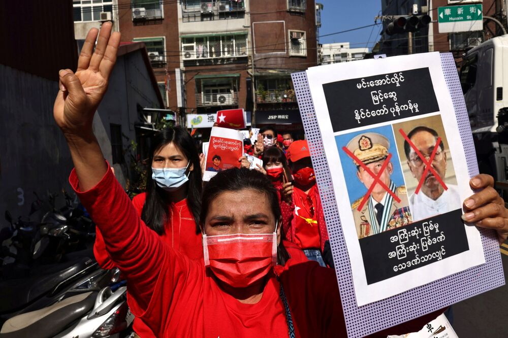 Members of the Burmese community in Taipei protest against the Myanmar military coup in Little Burma, home to many of Taiwan's Burmese immigrants, in Taipei, Taiwan, 6 February 2021.