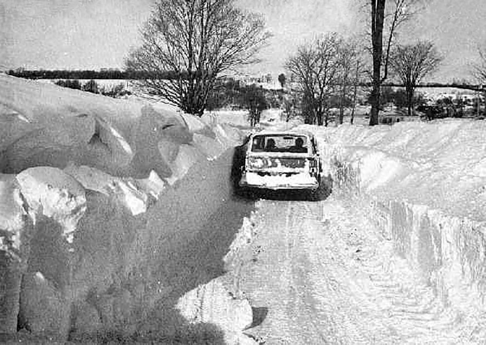 Snow drifts made travel difficult in parts of New York in 1977.