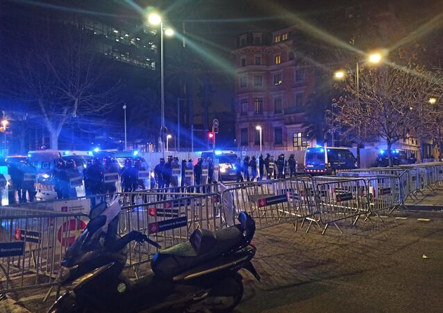 A photo of protests against the detention of Spanish rapper Pablo Hasel in Barcelona posted on Twitter on February 18, 2021