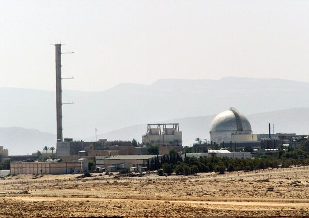 Partial view of the Dimona nuclear power plant in the southern Israeli Negev desert taken 08 September 2002