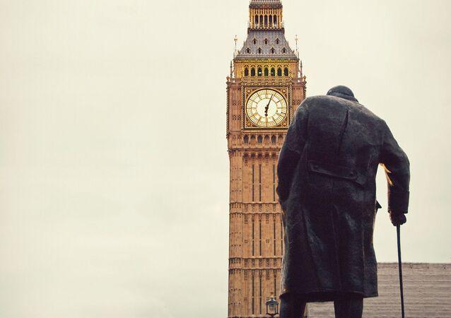UK churchill statue