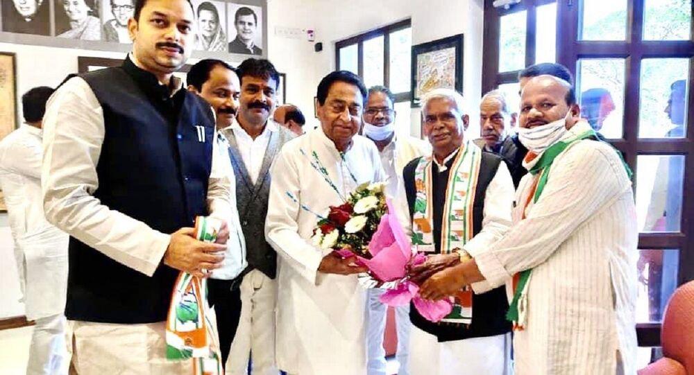 Congress welcomes 'Godse bhakt' Babulal Chaurasia into party