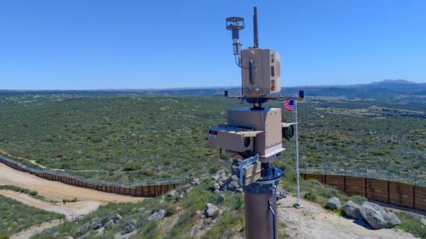 An autonomous surveillance tower along the US-Mexico Border. File photo. - Sputnik International