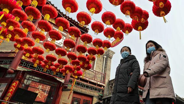China Raises Red Lanterns to Mark First Full Moon of Lunar Year  - Sputnik International