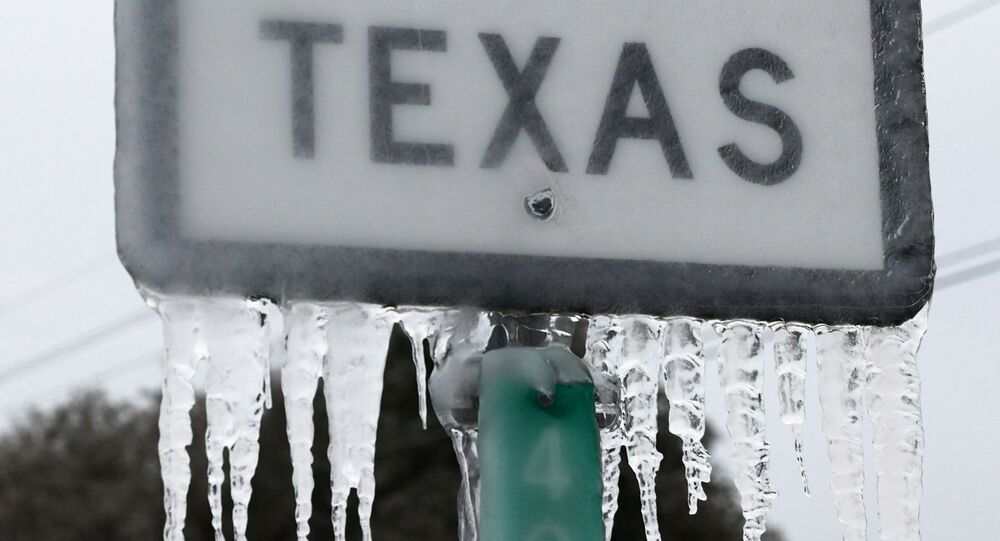 KILLEEN, TEXAS - FEBRUARY 18: Icicles hang off the State Highway 195 sign on February 18, 2021 in Killeen, Texas.