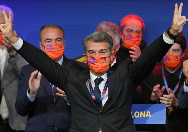 Spanish lawyer Joan Laporta celebrates his victory at the auditorium of the Camp Nou complex after winning the election for the FC Barcelona presidency on March 7, 2021 in Barcelona.