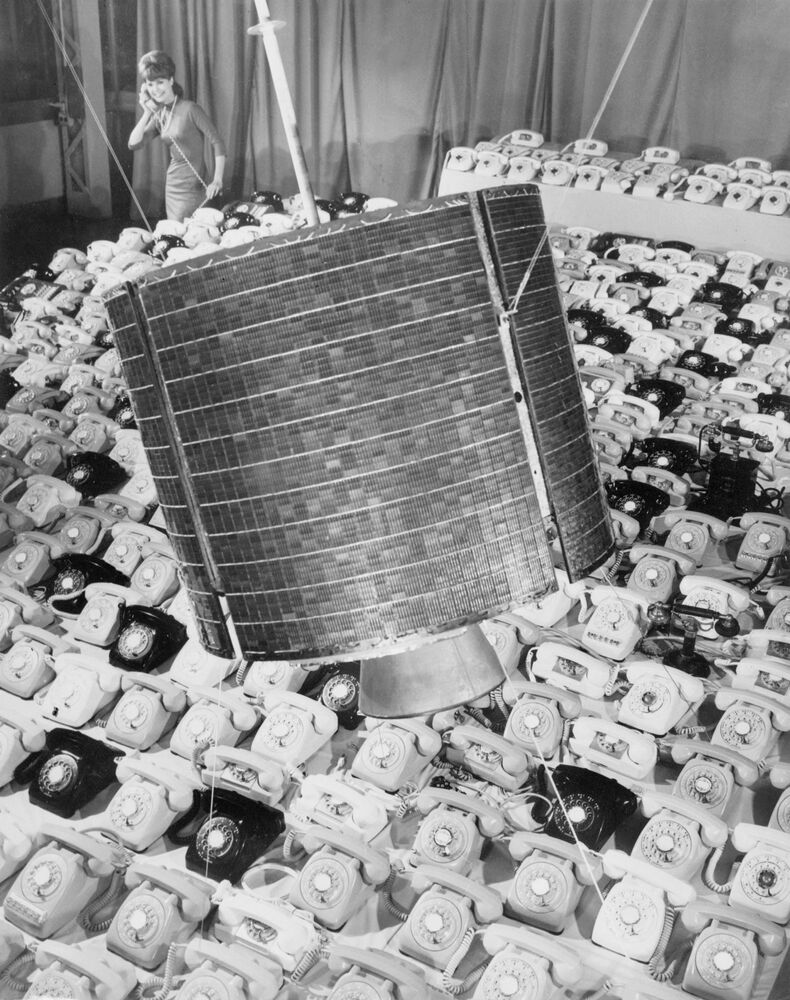 Picture dated May 1965. The American satellite Early Bird was in orbit above the Atlantic Ocean between France and United States and was able to receive and transmit 480 phone calls.