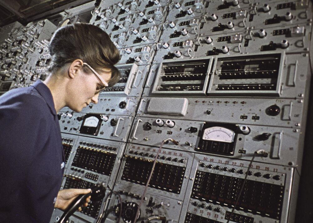 A female telephone switchboard operator in the city of Vladivostok supervises the facility.