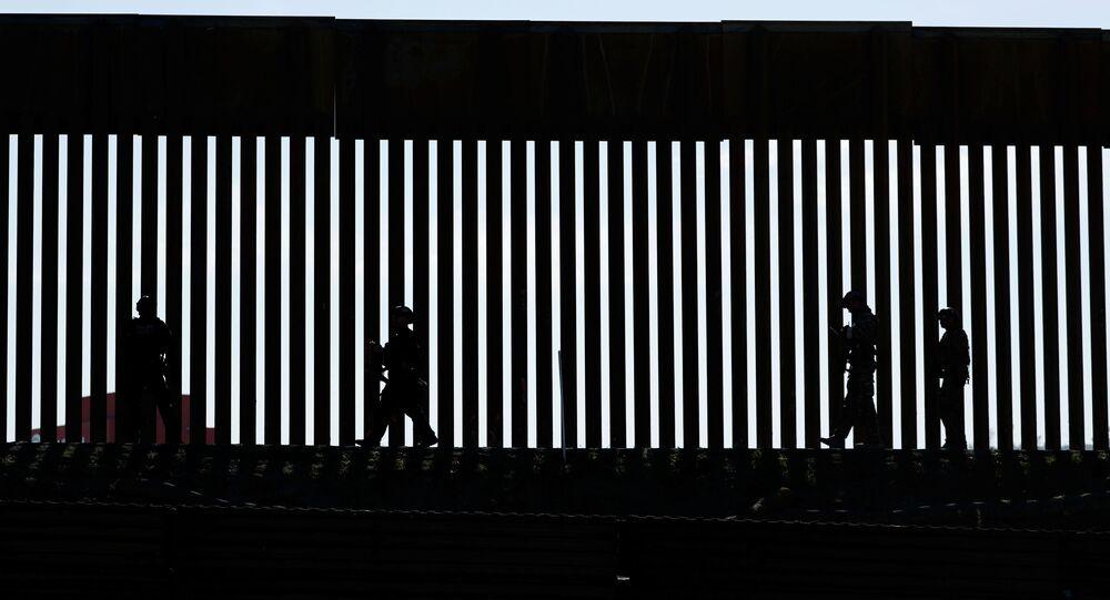 Border Patrol agents patrol the San Ysidro border crossing in the San Ysidro neighborhood of San Diego, California, U.S. November 25, 2018. REUTERS/Mike Blake/File Photo