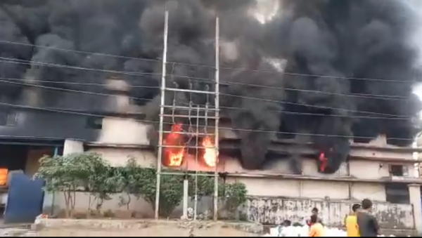 Fire breaks out at a chemical factory in the Maharashtra Industrial Development Corporation (MIDC) area of Ambernath, Thane - Sputnik International