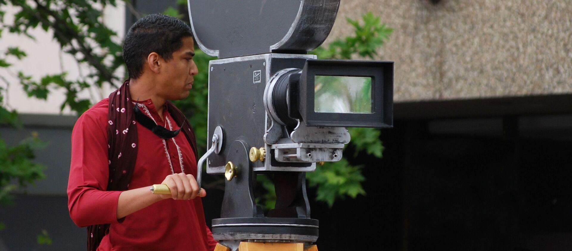 Bollywood cameraman  - Sputnik International, 1920