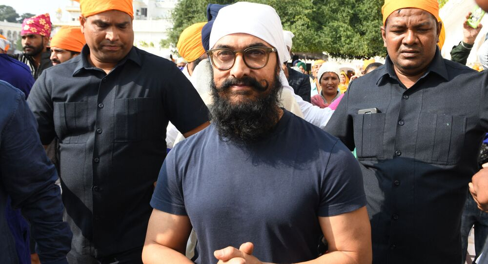Bollywood actor Aamir Khan pays respect at the Golden Temple during his visit for the shooting of the upcoming film 'Laal Singh Chaddha' in Amritsar on November 30, 2019