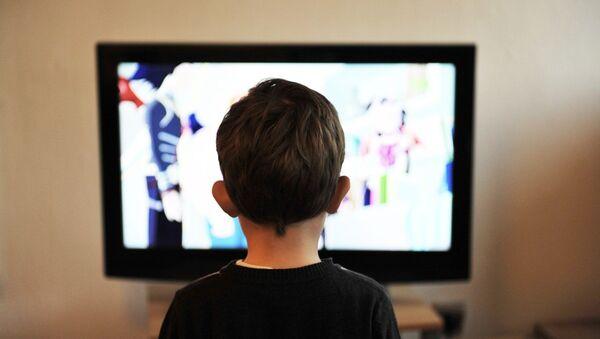 A child watching TV - Sputnik International