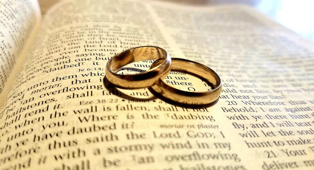 Bible, wedding bands